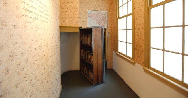 museu anne frank amsterdam estante entrada anexo secreto