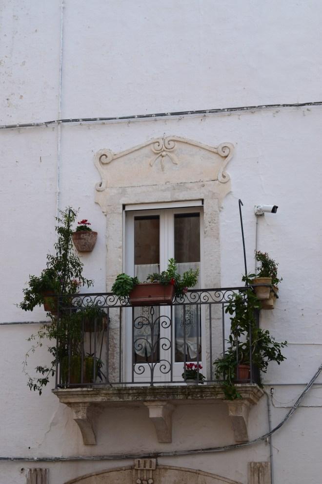 Ostuni cidade branca puglia italia janelas