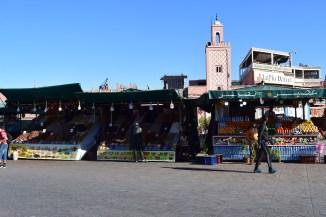 Marrocos Marrakech praça central djema el-fna barracas sucos temperos