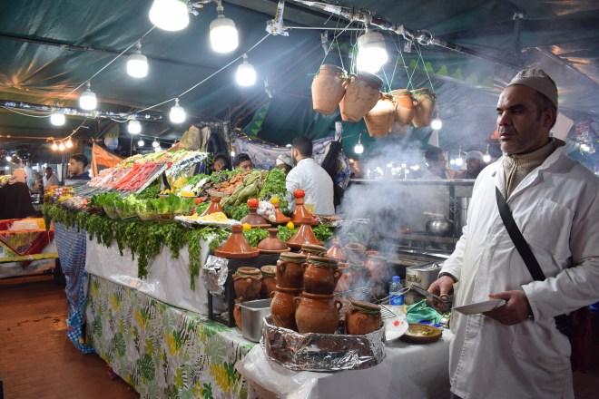 Marrocos Marrakech praça central djema el-fna barraquinhas comida