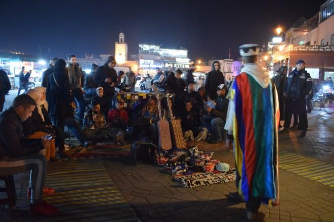 Marrocos Marrakech praça central djema el-fna dança