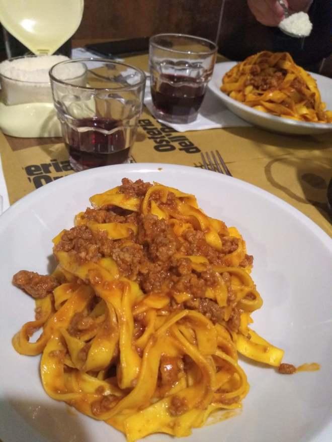 comidas típicas provar bologna tagliatelle al ragù espaguete bolonhesa verdade