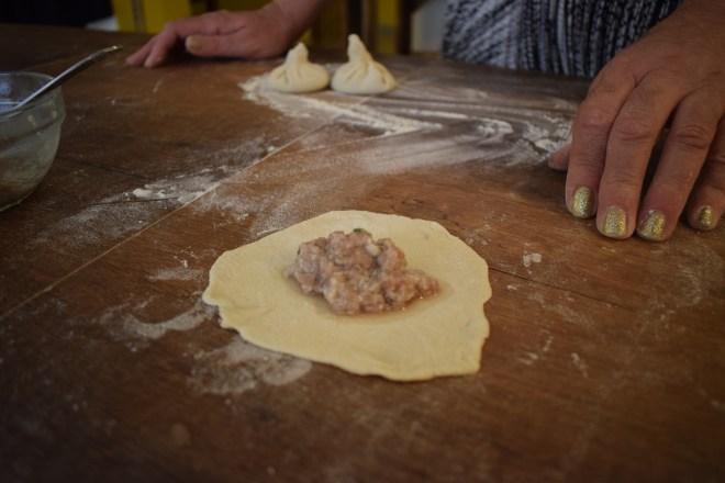 Geórgia Aula de culinária pratos típicos khinkali recheio