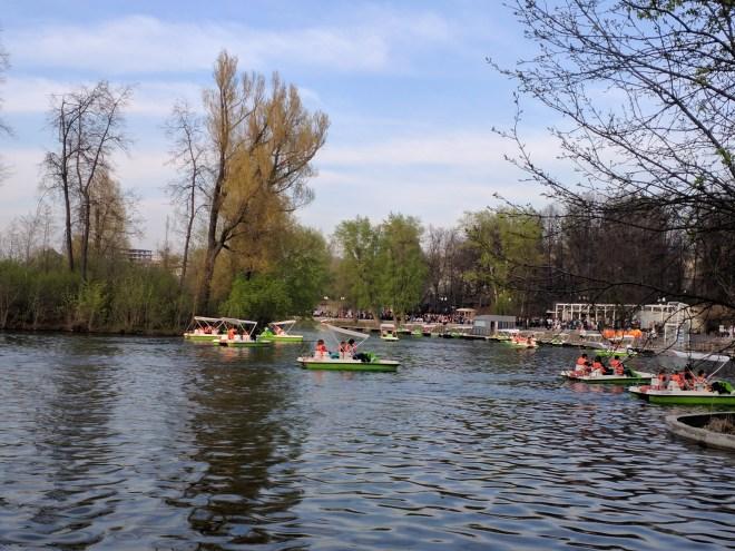 Moscou Parque Gorki barquinhos