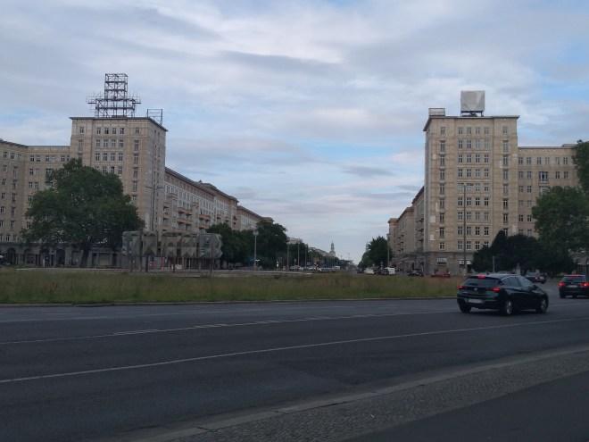 Berlim Karl Marx Allee bairro arquitetura reconstrução 3