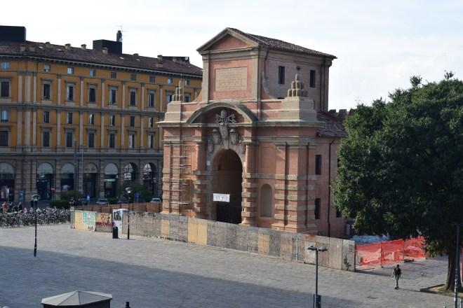 Bologna muros medievais porta galliera