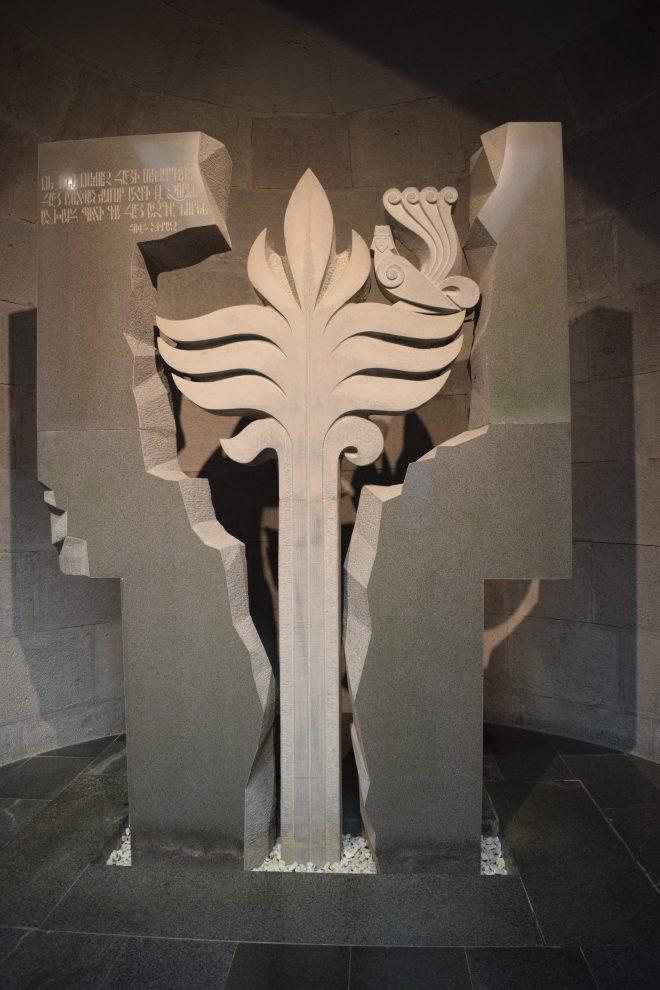 Armênia yerevan memorial genocídio estátua