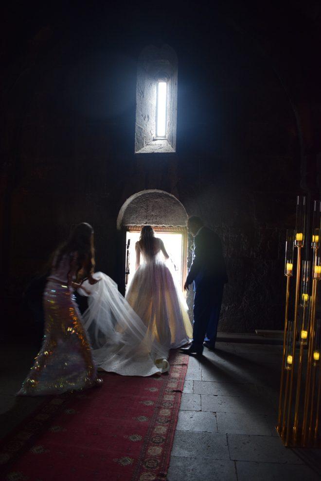 Armenia lago sevan monasterio medieval Hayravank casamento 2