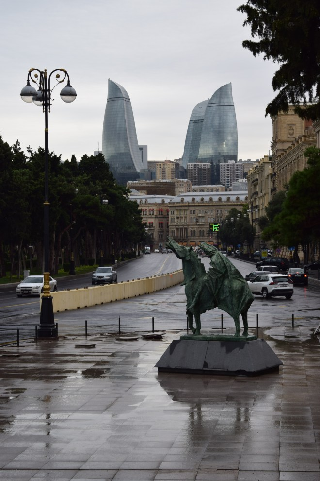 Baku centro histório e torres chamas