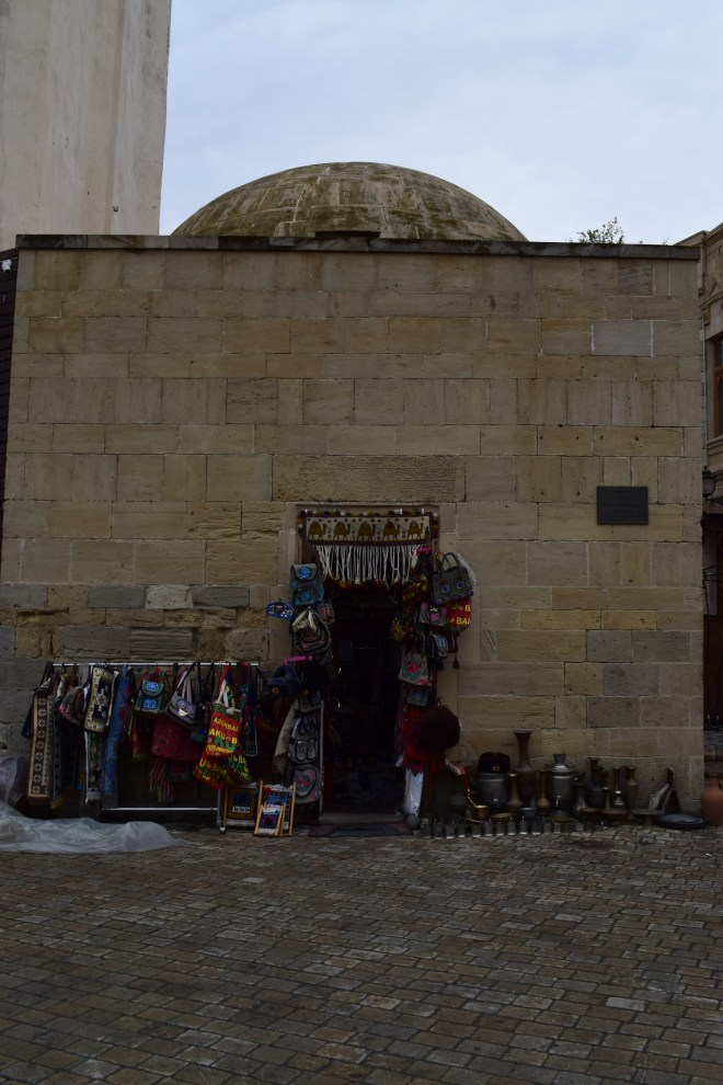 Baku hammam transformado em loja
