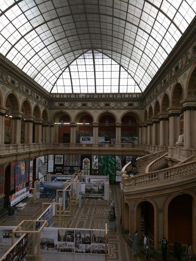 Petersburgo bairro Smolni escola Stieglitz artes decorativas pátio central teto vidro