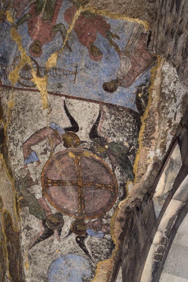 Vardzia monastério caverna entrada igreja dormição