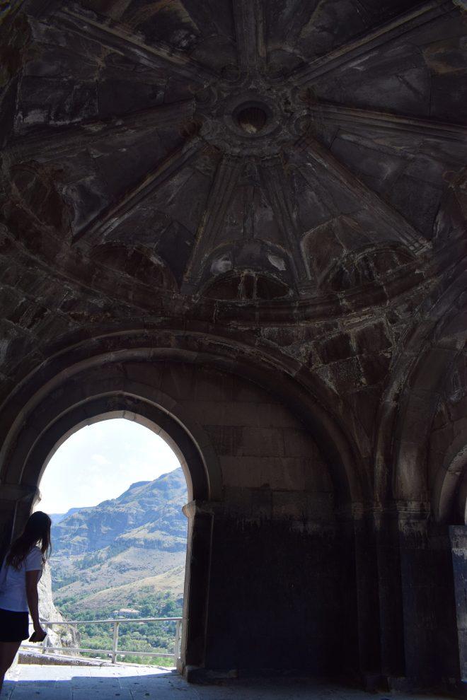 Vardzia monastério caverna primeira igreja