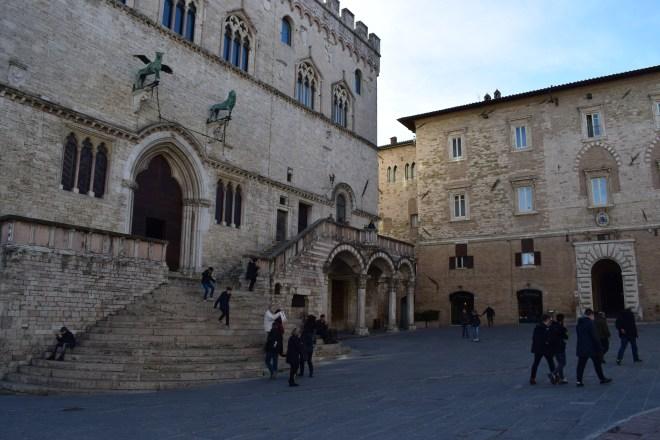 Perugia entrada palazzo priori