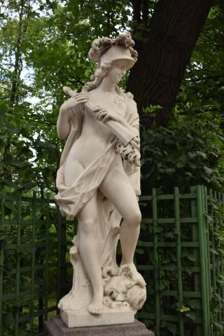 Russia Petersburgo parques jardim de verão estátua 1