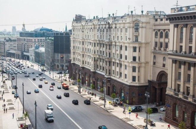 800px-Tverskaya_Street2016