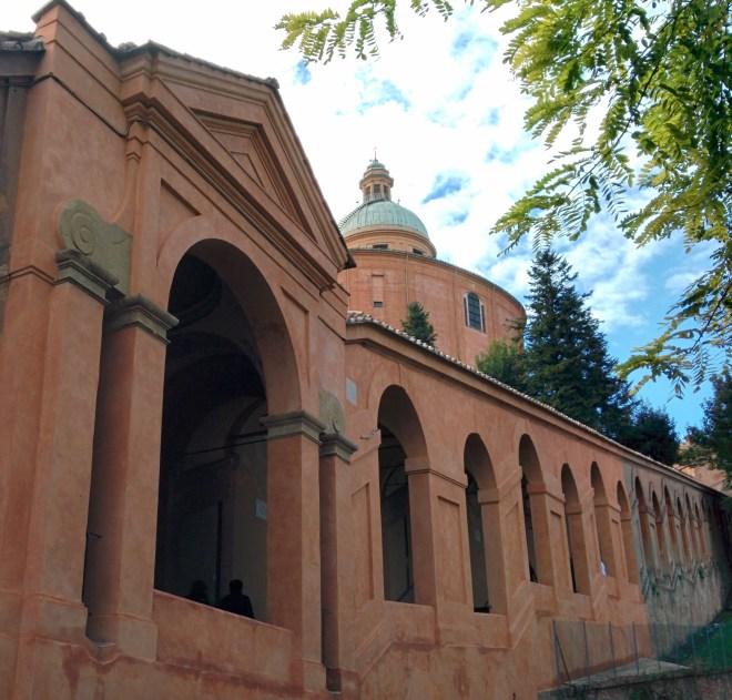 Bologna estrada porticos igreja san luca 10