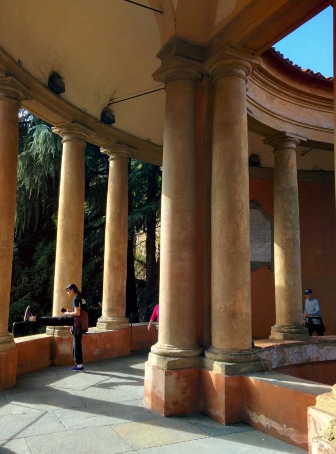 Bologna estrada porticos igreja san luca 9