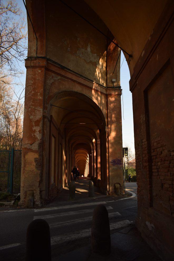 Bologna estrada porticos igreja san luca estrada 2
