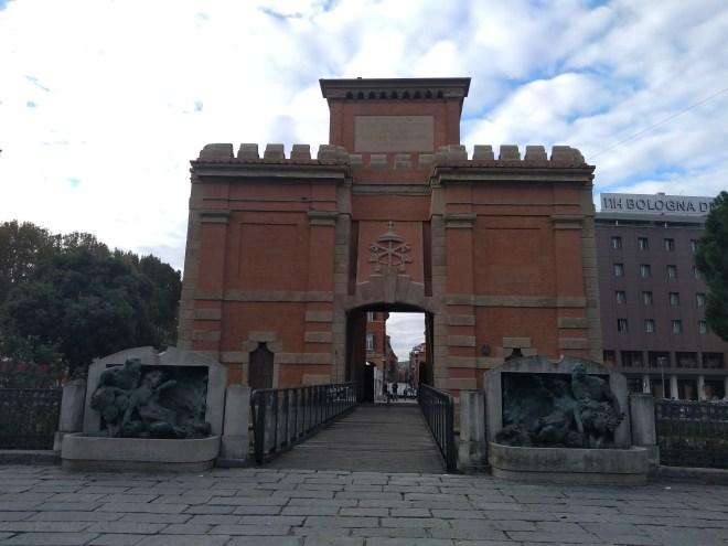 Bologna muros medievais porta galliera 2