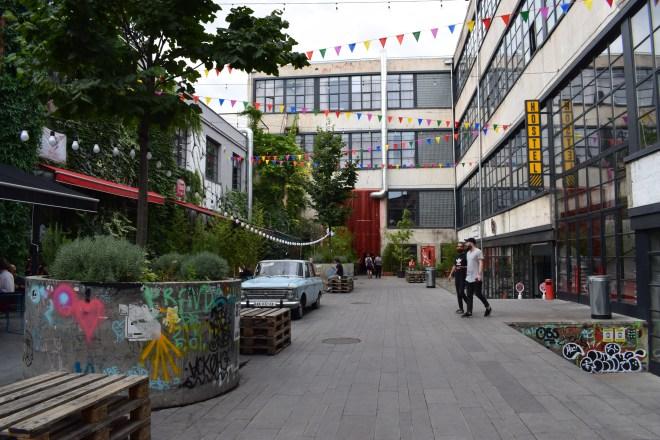 Tbilisi arquitetura sovietica fabrika hostel 2