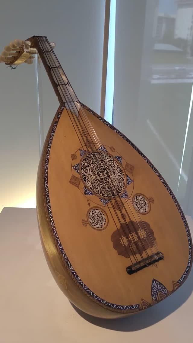 baku-moderna-centro-heydar-aliv-hadid-instrumentos-musicais-2_dvd.original