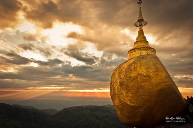 Golden Rock - Kyaiktiyo Pagoda (Staffan Scherz)