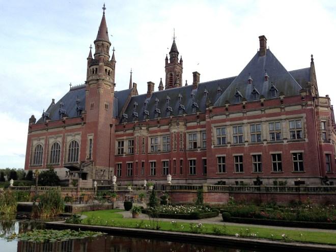 荷蘭海牙國際法院。(Photo Credit: Roman Boed@Flickr CC BY 2.0)