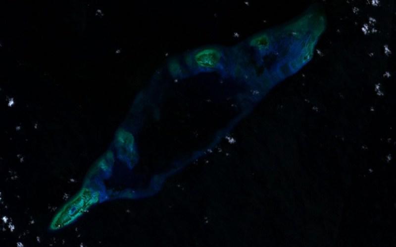 Fiery_Cross_Reef_LANDSAT_2000
