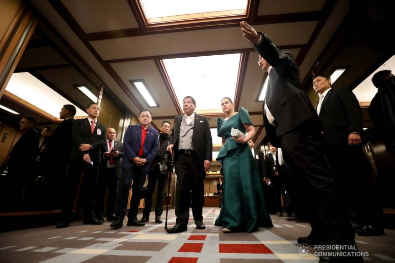 President_Rodrigo_Duterte_and_Mayor_Sara_Duterte-Carpio,_arrive_at_the_Imperial_Palace_in_Tokyo,_Japan_to_witness_the_Ceremonies_of_the_Accession_to_the_Throne_of_His_Majesty_Emperor_Naruhito_(04).jpg