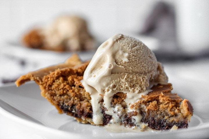Chocolate Chip Cookie Pie topped with ice cream.