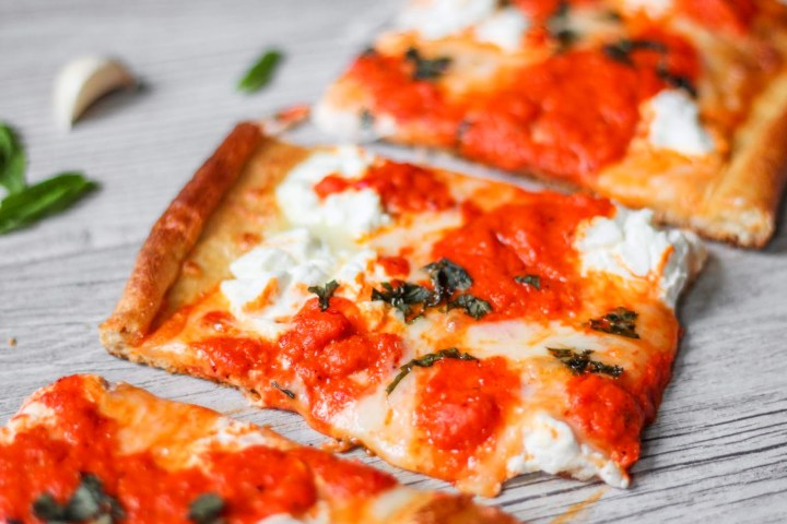 red pepper pizza slices