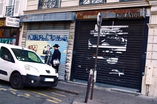 Negrete que no siente.  Calle De la Folie-Méricourt en París Francia.  Distrito 11.  Febrero 2015.