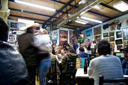 Foto de Archivo [Pilos] Guadalupe, Nuevo León. | Foto por Staff. || Creative Commons al ritmo de un bajo sexto con acordeón.