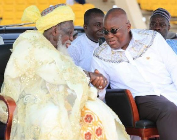 Akufo-Addo exchanges pleasantries with Chief Imam