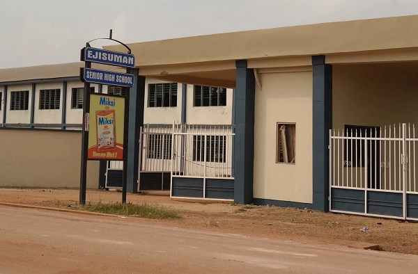 Four teachers of Ejisuman SHS have been sacked
