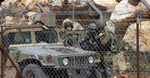 The objective of the Israeli army is to destroy 'attack tunnels' dug by the Shiite movement
