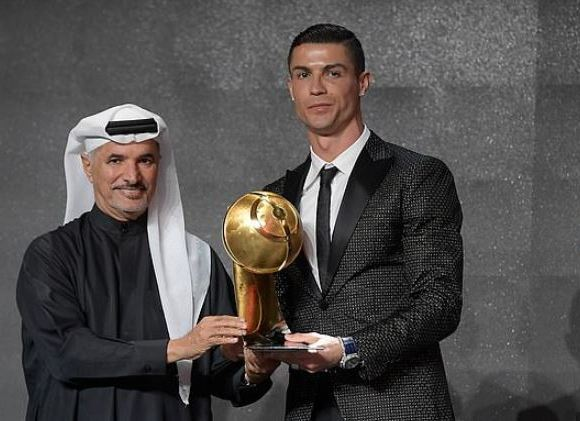Ronaldo scoops another award
