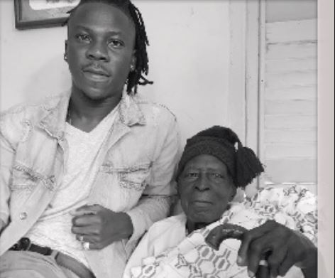 Stonebwoy and his grandfather 1