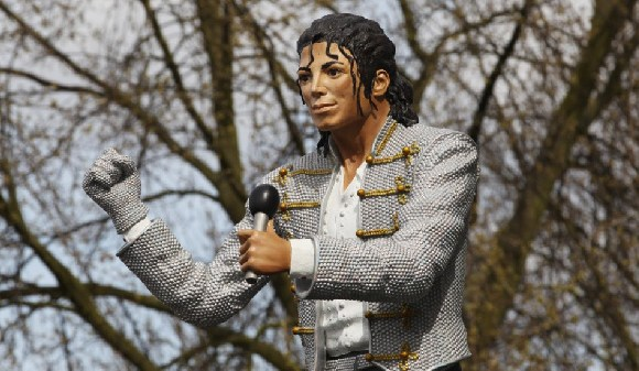 The statue of Jackson was briefly displayed at Fulham's Craven Cottage stadium