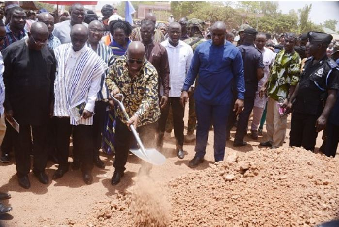 Akufo-Addo cutting sod