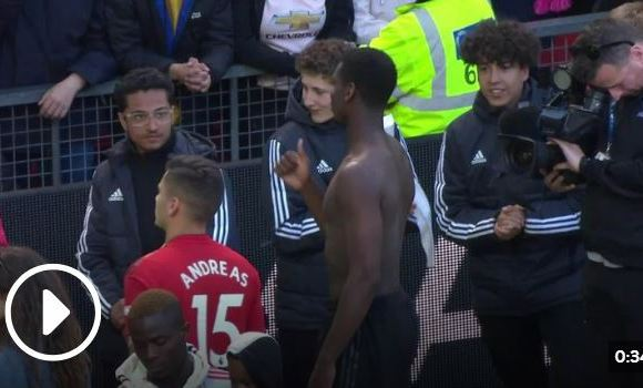 Paul Pogba's reaction to fans