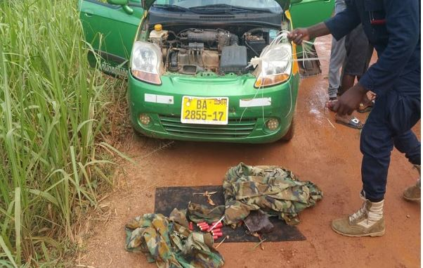 Robbers with military uniform