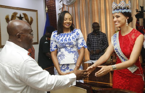 President Nana Addo with Miss World 2018, Vanessa Ponce(right) and Inna Patty