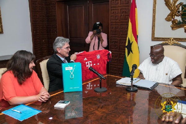 Akufo-Addo with the Germans at the Jubilee House