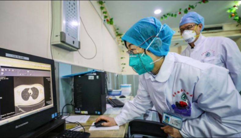 China medics work on Coronavirus