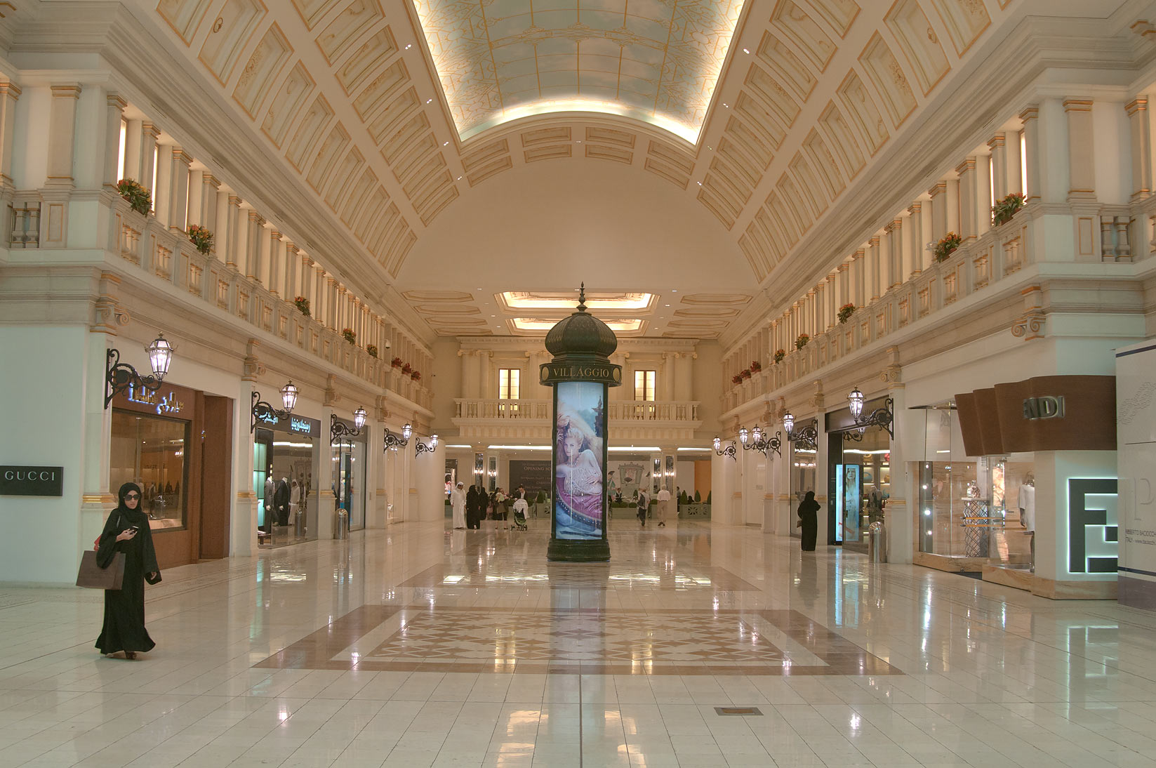 Photo 103209 Fashion shops in Villagio Shopping Mall