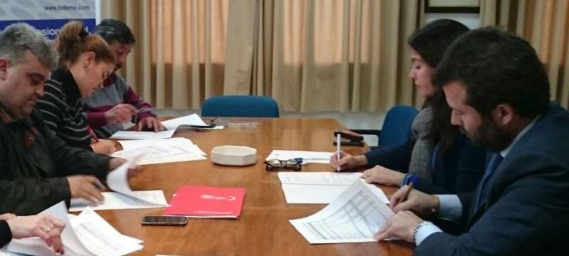 Isabel Mora y Francisco Suarez firman las Tablas 2017 por CCOO