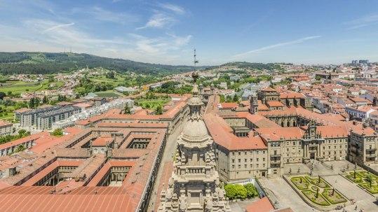 Vista panorámica desde a torre sur da catedral de Santiago de Compostela