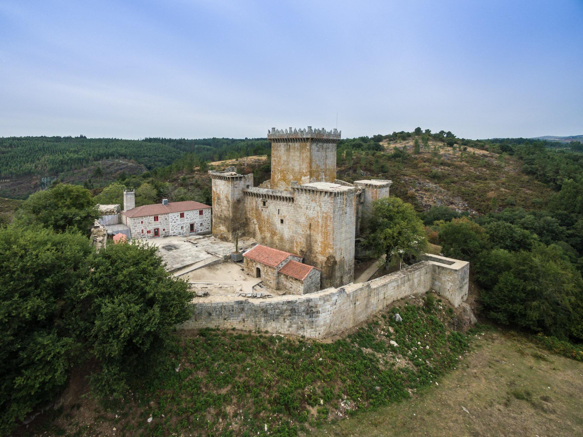 Fotografía con drone do castelo de Pambre. Palas de Rei